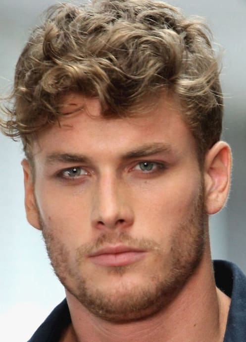 32 Modern Curly Quiff Hairstyle 2018 Mens Haircuts Mens Hairstyles